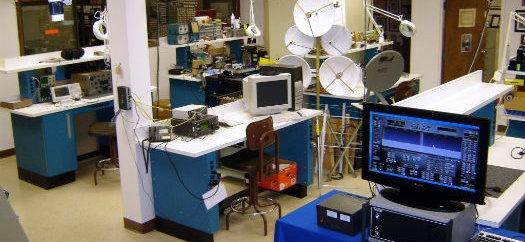 http://www.arrl.org/images/view/About_ARRL/Lab.JPG