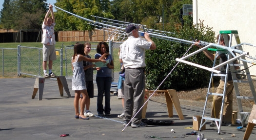 http://www.arrl.org/images/view/Licensing__Education_/Classroom/Antenna_Raising.jpg