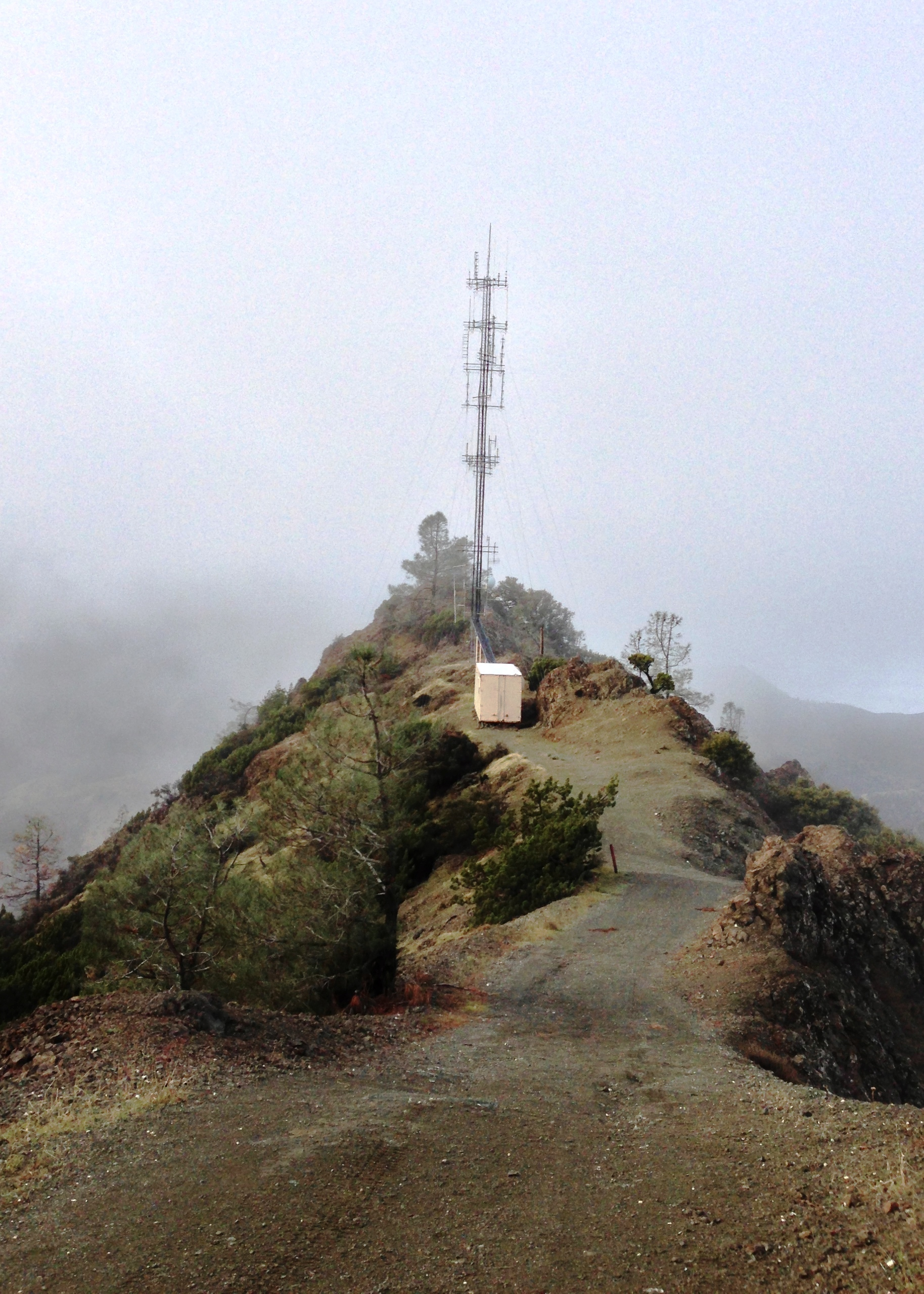 Amateur Radio tower containing K6BIV, K6MDD, W6UUU and other repeater and  communication systems