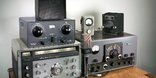http://www.arrl.org/images/view/Technology/Vintage_Exhibit.jpg